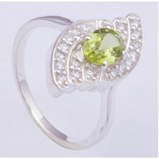 925 Sterling Silver Ring with Peridot Gemstones, RI-0330