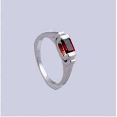 925 Sterling Silver Ring with Garnet Gemstone, RI-0352